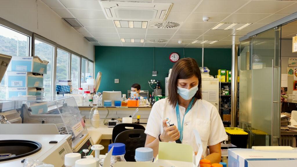 Juillet : extrapoler les résultats dans les différentes variantes du virus