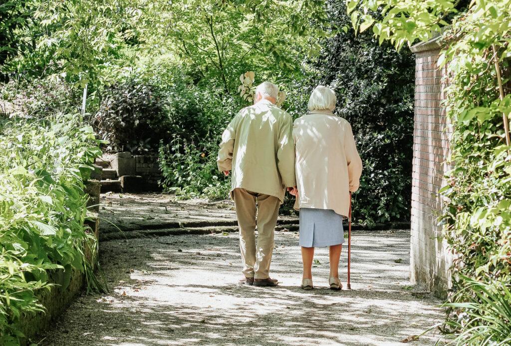 Août : protection contre le virus chez les personnes de plus de 65 ans